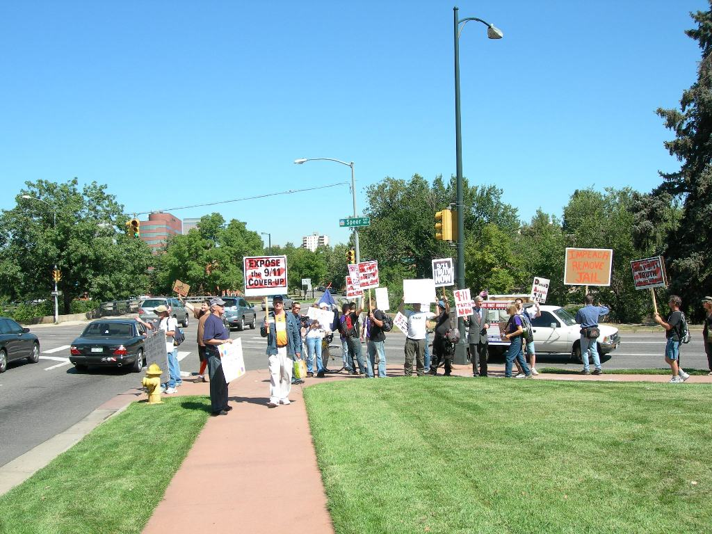 denver-protest-9-11-07.JPG